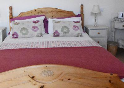 bedroom1-bed1