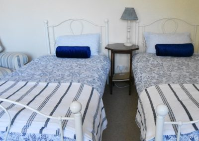 bedroom2-beds